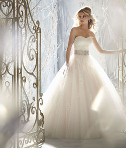 mori lee vencanica Snow White